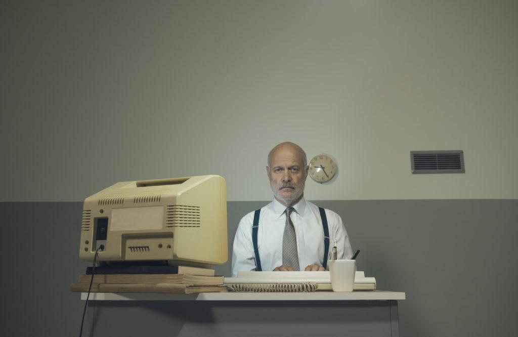 Trauriger Geschäftsmann in seinem Büro